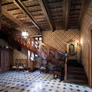 Ingresso scala Palazzo Alliata di Pietratagliata