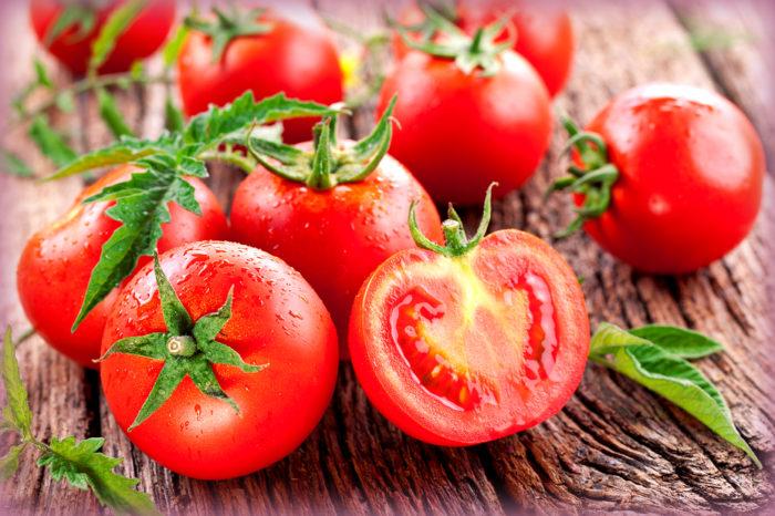 pani cunzatu una bontà dalla sicilia: i pomodori