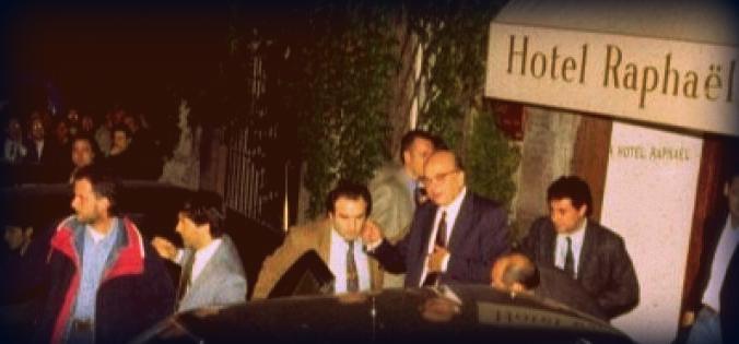 Bettino Craxi in una delle ultime immagini prima della partenza per Hammamet
