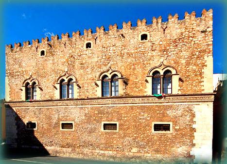 10 meraviglie da vedere a Taormina: Palazzo Corvaja