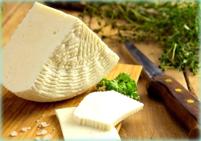pani cunzatu una bontà dalla sicilia: il formaggio