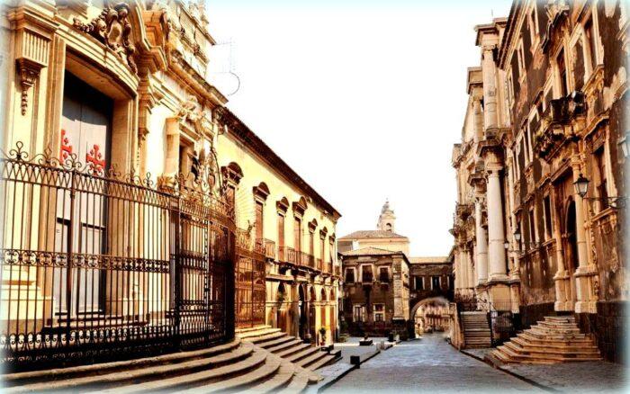 via dei crociferi e le chiese barocche