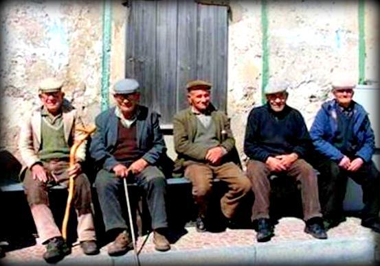 la coppola è siciliana: quattro chiacchere in paese