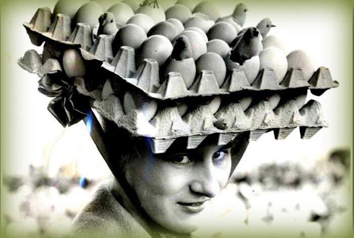 uovo simbolo della pasqua: una divertente foto di autore