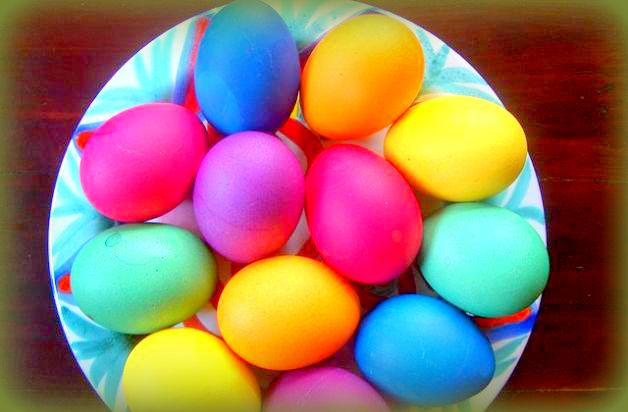 uova colorate erano utilizzate per riti propiziatori