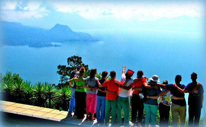 Vacanze per Associazioni e Cral: l'Estate 2021 in Sicilia è liberi di viaggiare! Un gruppo in tour